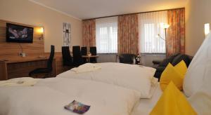 Posthotel Traube, Hotely  Donauwörth - big - 33