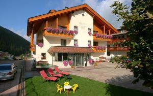 Garni Hotel Rezia - Selva di Val Gardena