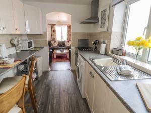 Little White Cottage, Nyaralók  Brierley Hill - big - 13