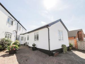 Little White Cottage, Nyaralók  Brierley Hill - big - 16