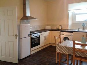 Cobblers Roost, Holiday homes  Fishguard - big - 7