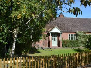 The Moors Cottage, Дома для отпуска  Brimfield - big - 3