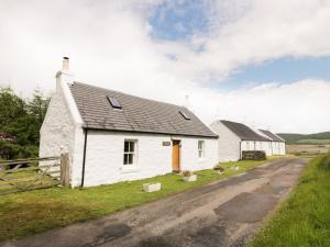 Cnocachanach Cottage, Prázdninové domy  Polloch - big - 11