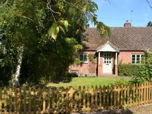 The Moors Cottage, Дома для отпуска  Brimfield - big - 20