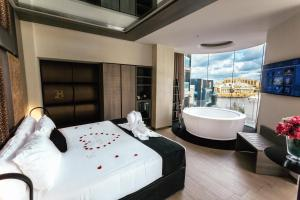 Hugo's Boutique Hotel - Adults Only