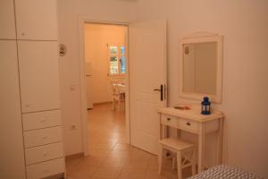 Villa Gabriela Andros Greece