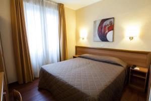 Hotel Esperia, Отели  Ро - big - 36