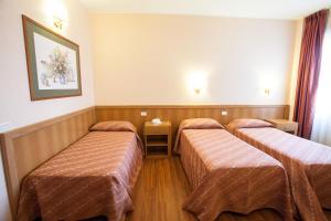 Hotel Esperia, Отели  Ро - big - 35