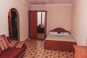 """Apartment """"Berloga 55"""" na Ordzhonikidze - Serebryanoye"""