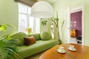 Daily Rooms Apartment with Kremlin view