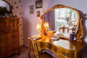 Berthoud Inn & Events, Bed & Breakfast  Berthoud - big - 78