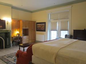 Chipman Hill Suites - Senator Dever House - Fredericton