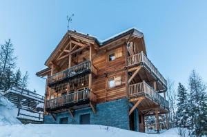 Location gîte, chambres d'hotes Chalet haut de gamme sur Vars dans le département Hautes alpes 5