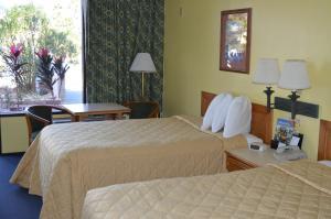 Days Inn & Suites by Wyndham Davenport, Szállodák  Davenport - big - 8