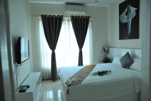 Queen Central Apartment Hotel