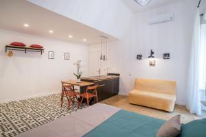 Napoliamo Guest House - نابولي