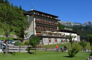 Hotel Val Di Fassa - AbcAlberghi.com