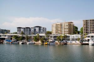 Cullen Bay Resorts