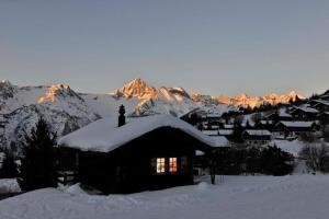 Pension Kastel, Bed and breakfasts  Zeneggen - big - 33