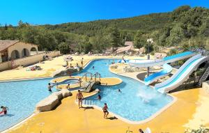 Location gîte, chambres d'hotes Résidence Odalys Les Hauts de Salavas dans le département Ardèche 7