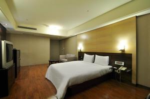 Goodness Plaza Hotel, Hotel  Taishan - big - 57