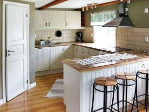 One-Bedroom Holiday home in Valdemarsvik, Prázdninové domy  Gryt - big - 27