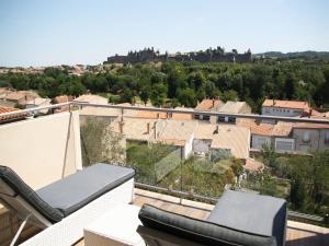 Location gîte, chambres d'hotes Les Suites du Saint Nazaire - Les Balcons de la Cité dans le département Aude 11