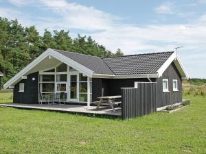 Three-Bedroom Holiday home in Skals 4 - Hjarbæk