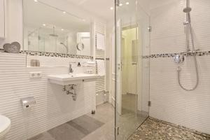Landhaus Berthin Bleeg Buhne 4, Appartamenti  Wenningstedt - big - 26