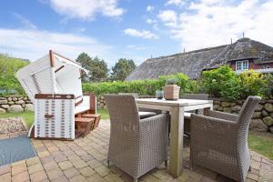 Landhaus Berthin Bleeg Buhne 4, Appartamenti  Wenningstedt - big - 33