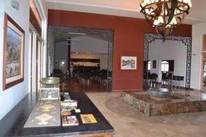 Hotel Camino Del Principe