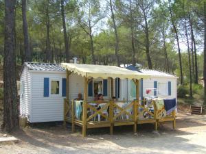 Location gîte, chambres d'hotes Camping Les Cadenières dans le département Var 83