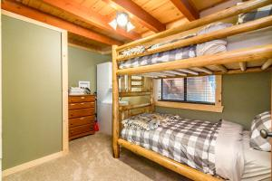 7290 4th Ave Cabin - Hotel - Tahoma