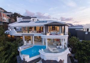 Capsol Villa Rentals - Eagle's Rock Villa - Clifton