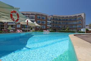 Apartments in Sunny Island Complex, Apartmánové hotely  Chernomorets - big - 1