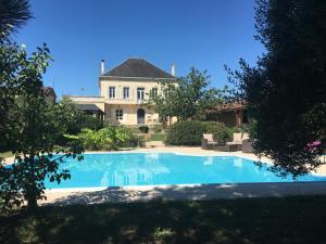 LE CORMIER DE L'ESTUAIRE, Bed and breakfasts  Saint-Aubin-de-Blaye - big - 1