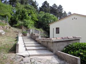 Holiday home 30160 Robiac-Rochessadoule, France, Prázdninové domy  Rochesadoule - big - 8