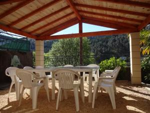 Holiday home 30160 Robiac-Rochessadoule, France, Prázdninové domy  Rochesadoule - big - 19