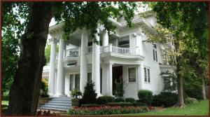Hayes House Bed and Breakfast - Tulsa