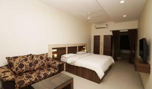 Sri Murugan Residency - Irugūr