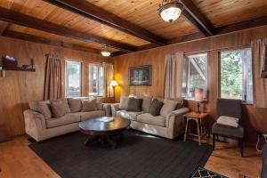 Accommodation in Tahoe Marina Estates