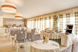 Hotel Brasil, Szállodák  Milano Marittima - big - 39