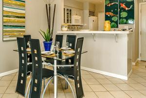 Beach Manor @ Tops'L - 1004, Apartmanok  Destin - big - 2