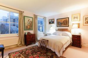 Attractive Chelsea apartment sleeps 4 - Kensington