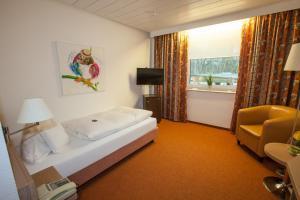 Hotel am Springhorstsee, Hotel  Grossburgwedel - big - 5