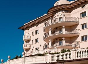 Palace Hotel, Отели  Морской Милан - big - 42