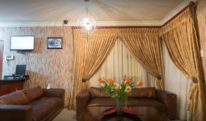 Ekuthuleni Guest House - Soweto, Penzióny  Johannesburg - big - 15