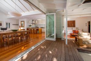 Luxury residence in Auckland C..