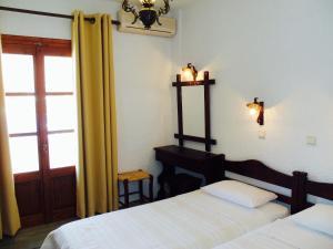 Alexandros Hotel, Отели  Грикос - big - 14