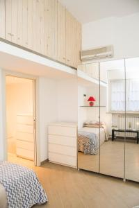 RHO Blumarine Apartment, Apartmanok  Rho - big - 4